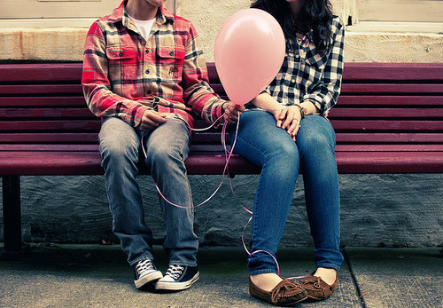 balloon-bench-boy-cute-girl-love-Favim.com-62603_large